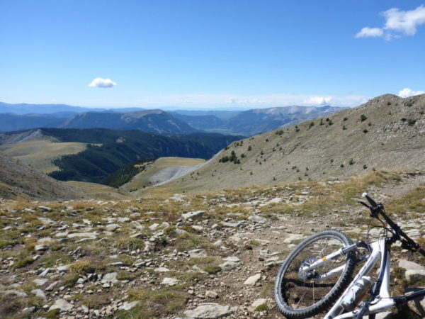 La transverdon en vtt « Only for the braves » du col d'Allos à Gréoux les bains